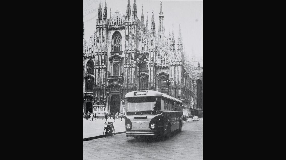 Mailänder Dom, Alfa Romeo, Bus