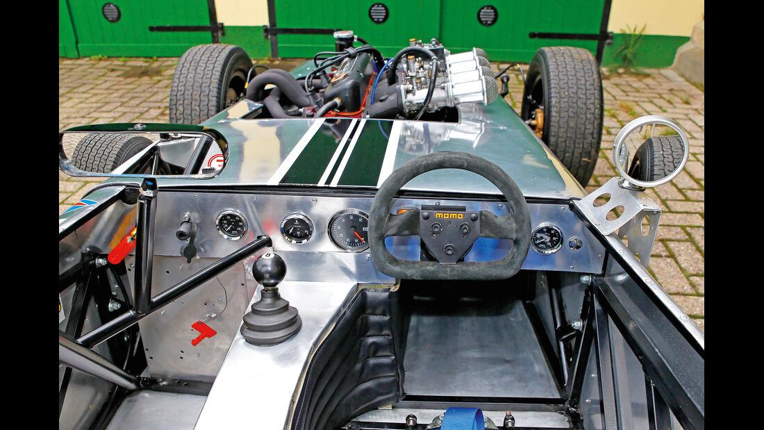 Mallock U2 MK 6, Cockpit, Lenkrad