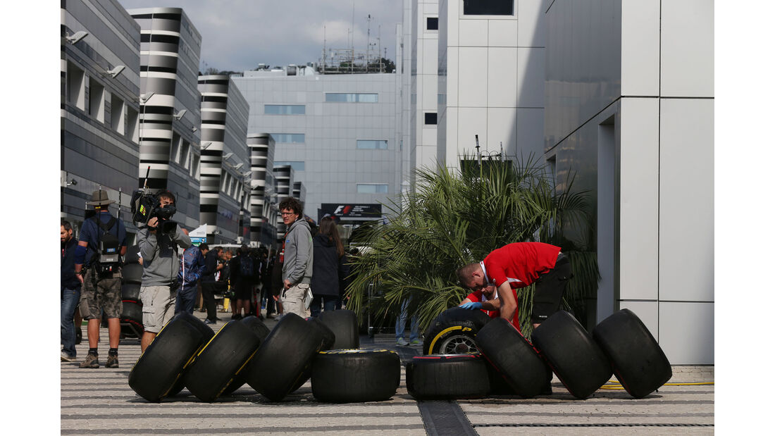 Manor F1 - Pirelli-Reifen - GP Russland - Qualifying - Samstag - 10.10.2015