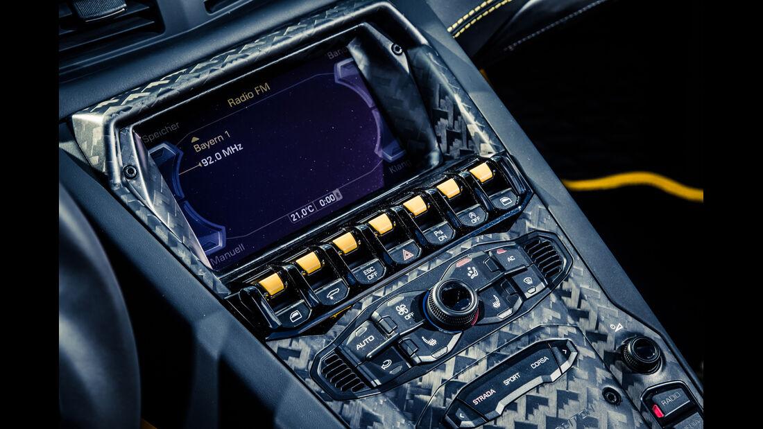 Mansory-Lamborghini Aventator Carbonada, Bedienelemente