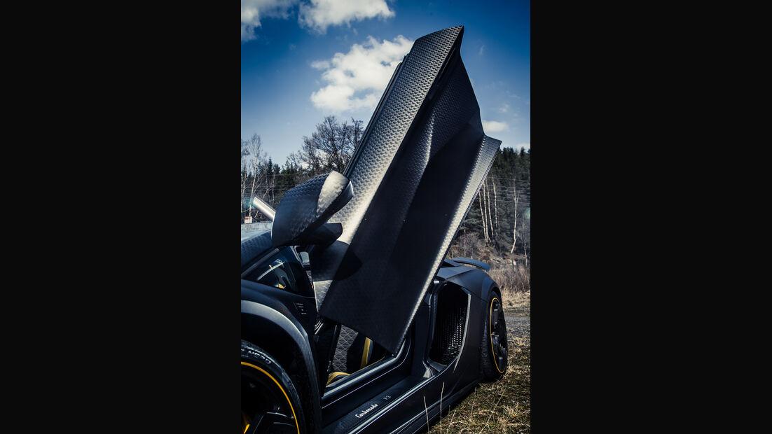 Mansory-Lamborghini Aventator Carbonada, Flügeltüre