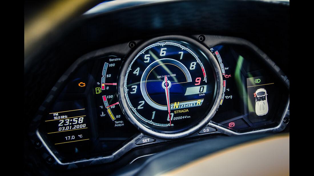 Mansory-Lamborghini Aventator Carbonada, Rundinstrumente
