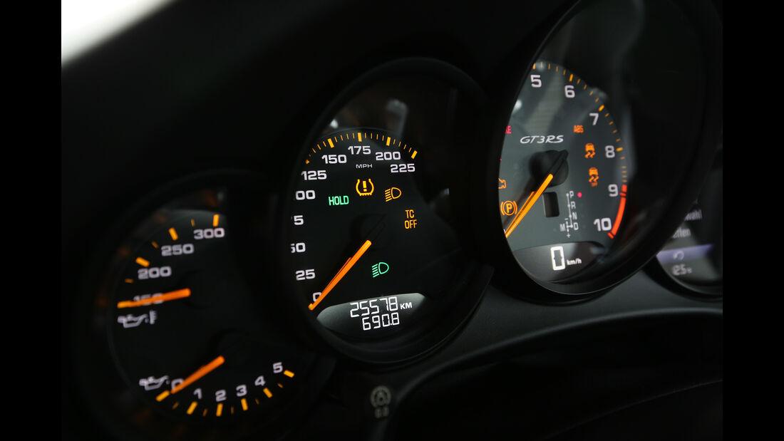Manthey-Porsche 911 GT3 RS MR, Rundinstrumente