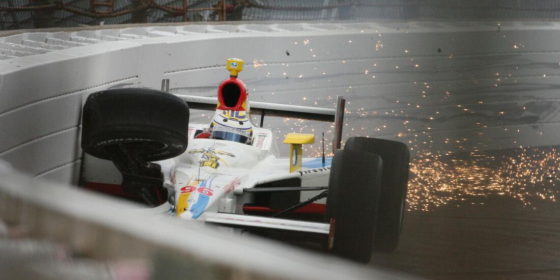 Mario Dominguez - IndyCar-Crash