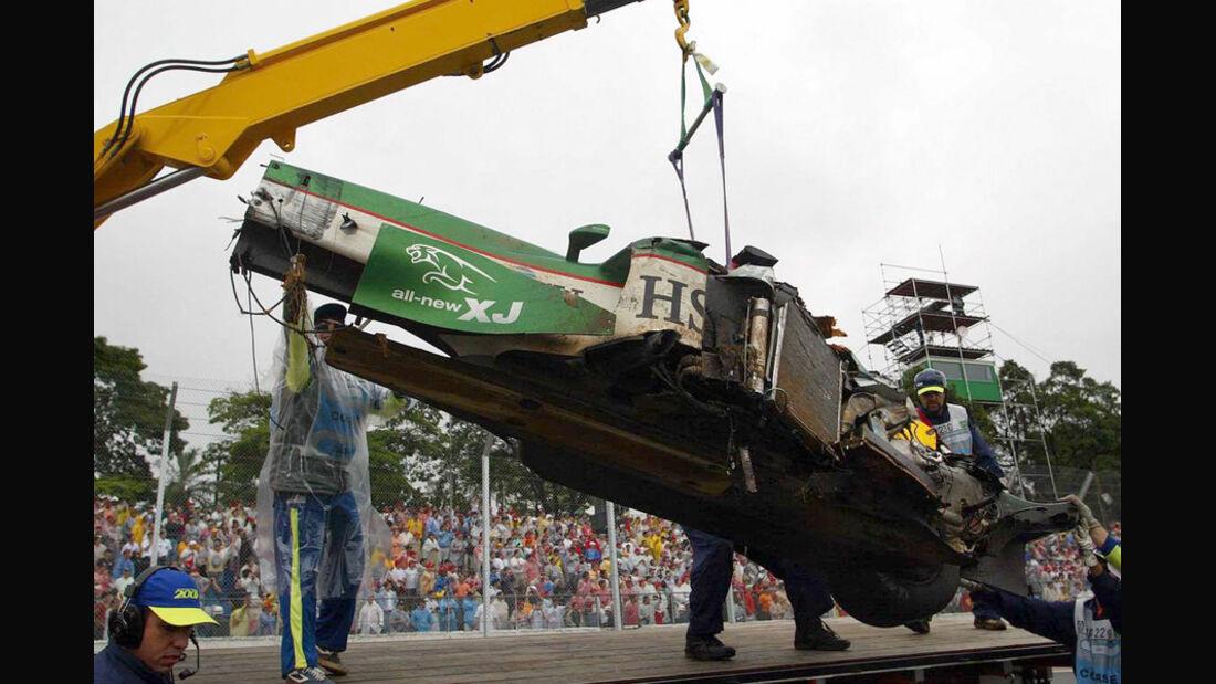 Mark Webber 2003 GP Brasilien Crash