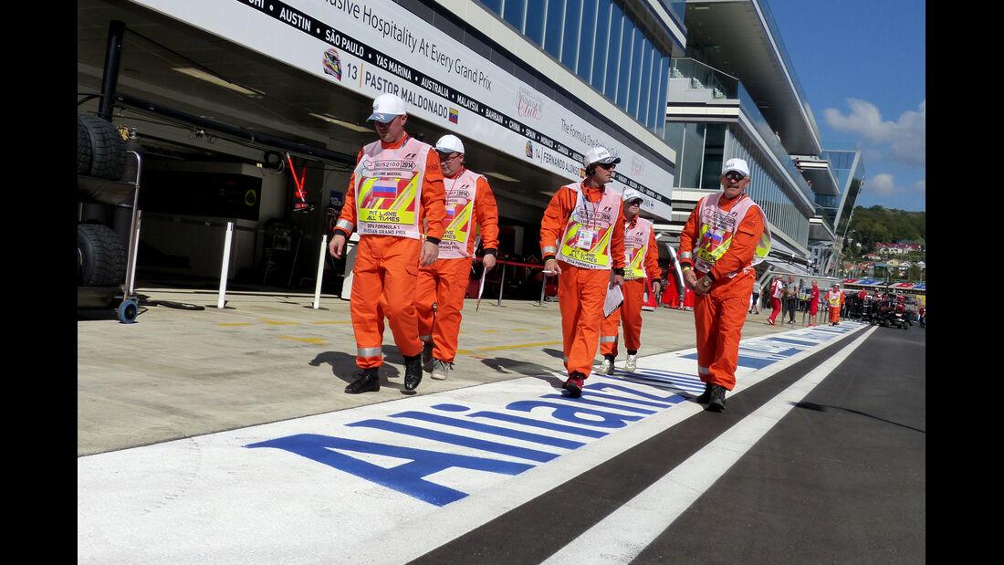 Marshals - Formel 1 - GP Russland - 10. Oktober 2014