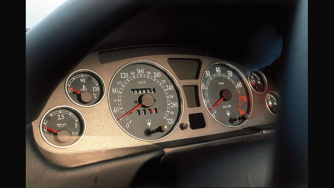 Maserati 3200 GT, Rundinstrumente