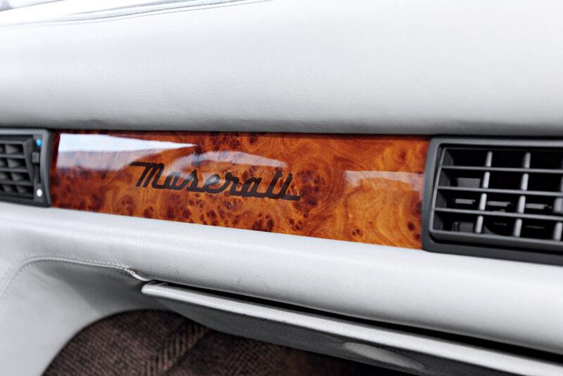 Maserati Biturbo 228, Armaturenbrett