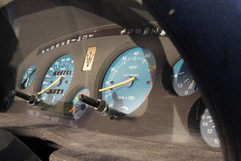 Maserati Biturbo 228, Instrumente