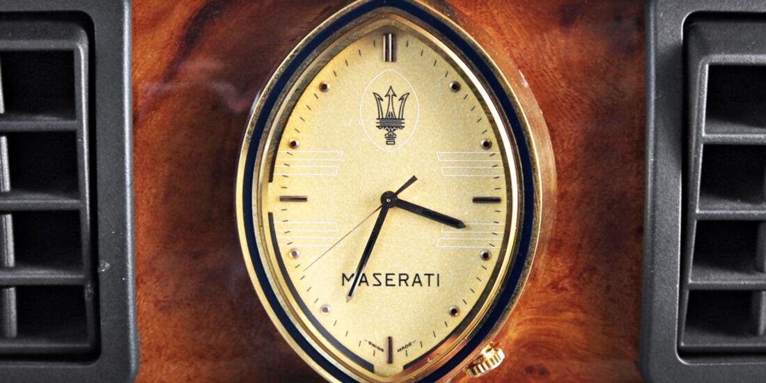 Maserati Biturbo 228, Uhr