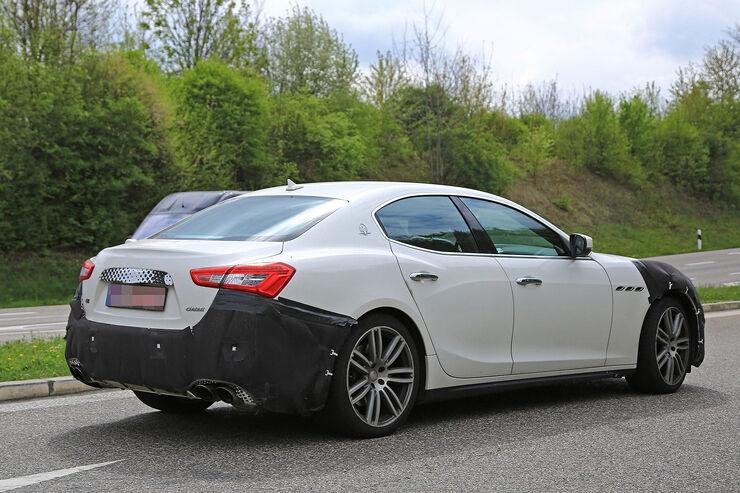2014 - [Maserati] Ghibli - Page 10 Maserati-Ghibli-Erlkoenig-fotoshowBig-4eb7dab7-1066490