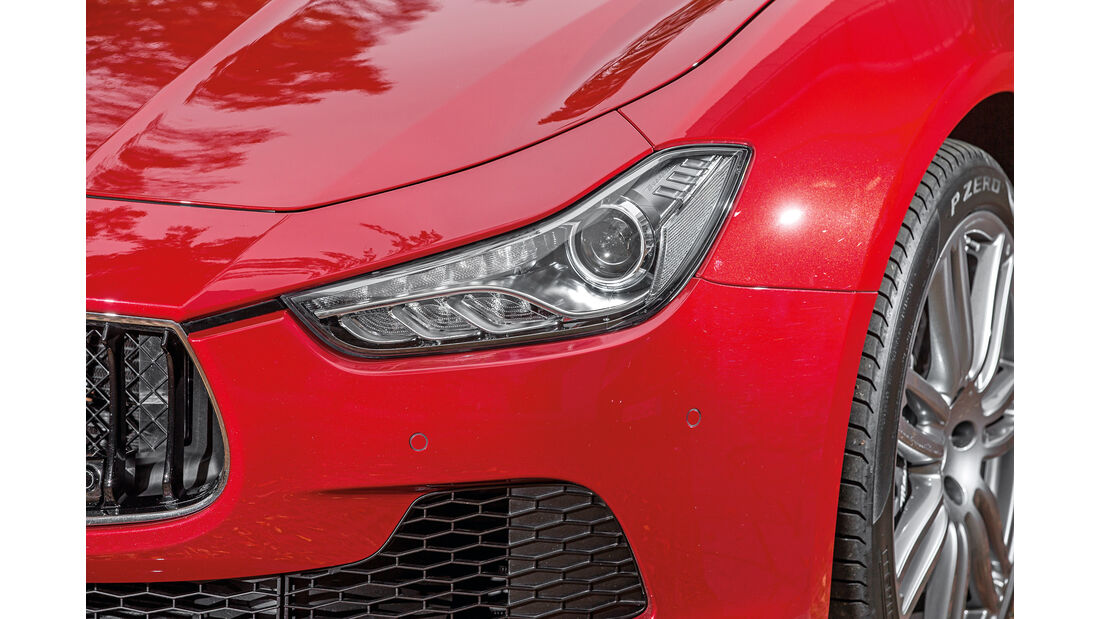 Maserati Ghibli, Frontscheinwerfer