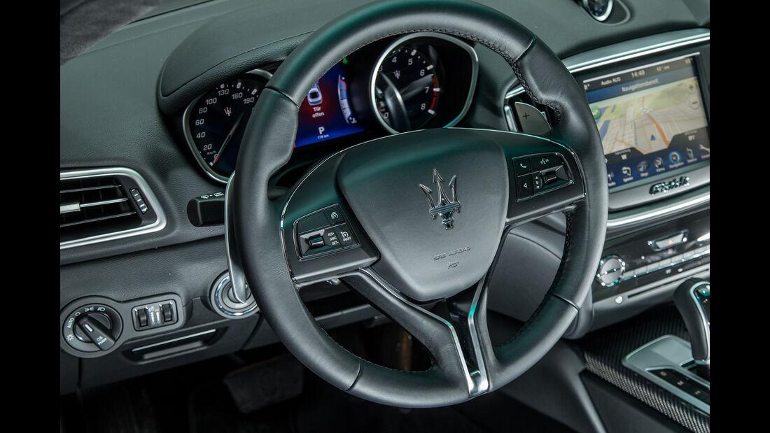 Maserati Ghibli, Lenkrad