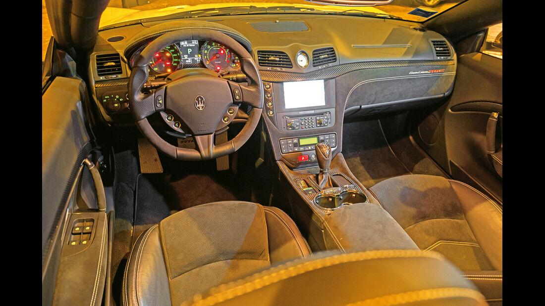 Maserati Gran Cabrio MC, Cockpit