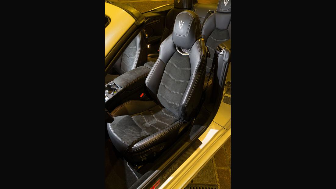Maserati Gran Cabrio MC, Fahrersitz