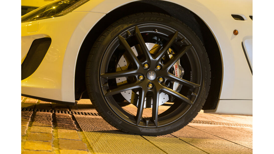 Maserati Gran Cabrio MC, Rad, Felge