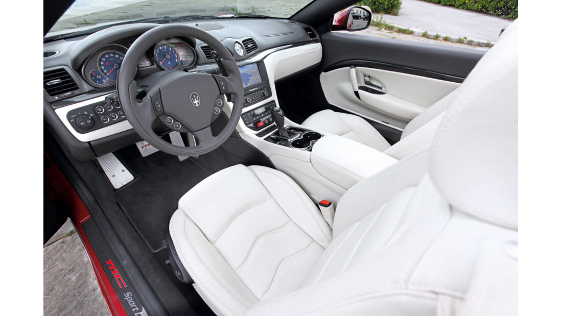 Maserati Gran Cabrio Sport, Cockpit, Fahrersitz, Lenkrad