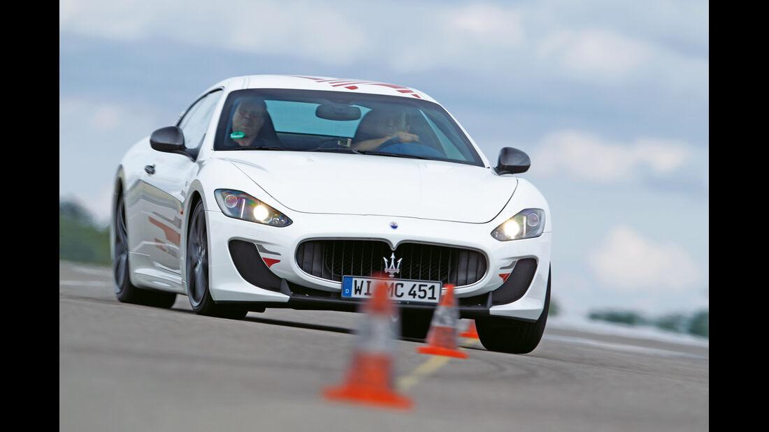 Maserati Gran Turismo MC Stradale, Frontansicht, Slalom