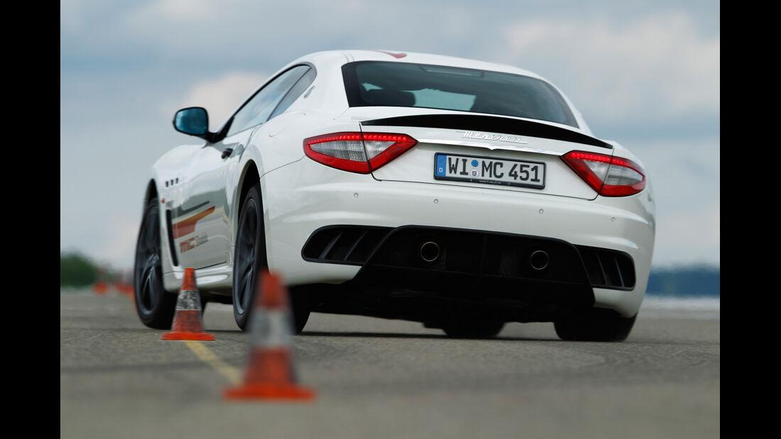 Maserati Gran Turismo MC Stradale, Heckansicht, Slalom