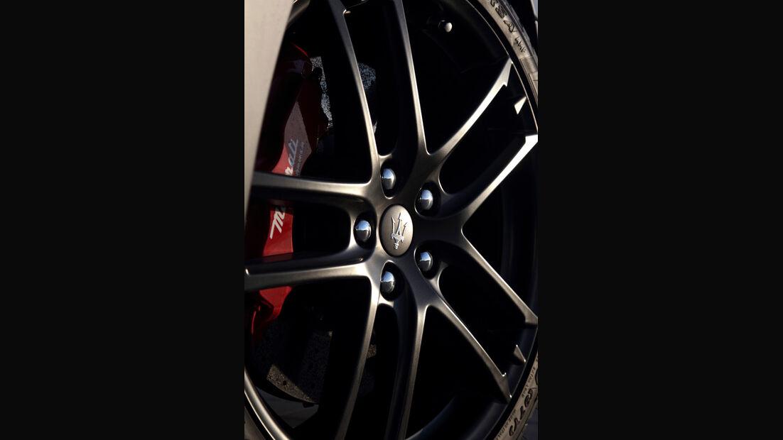 Maserati Gran Turismo MC Stradale Kopfstütze