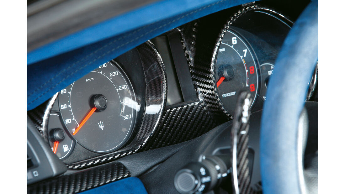 Maserati Gran Turismo MC Stradale, Rundinstrumente