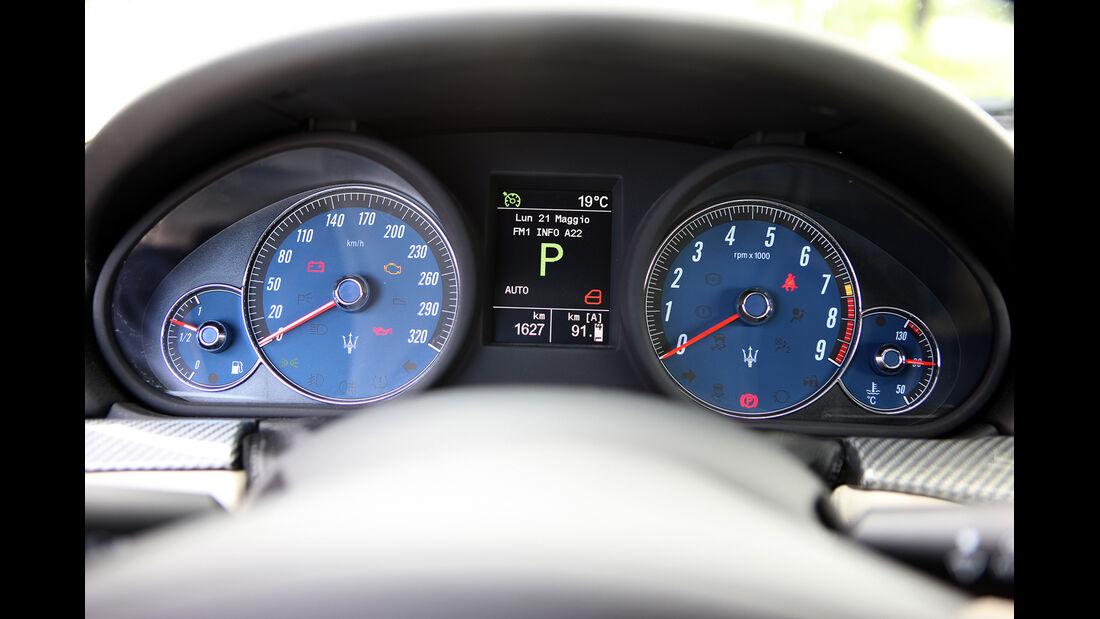 Maserati Gran Turismo Sport, Tacho, Rundinstrumente