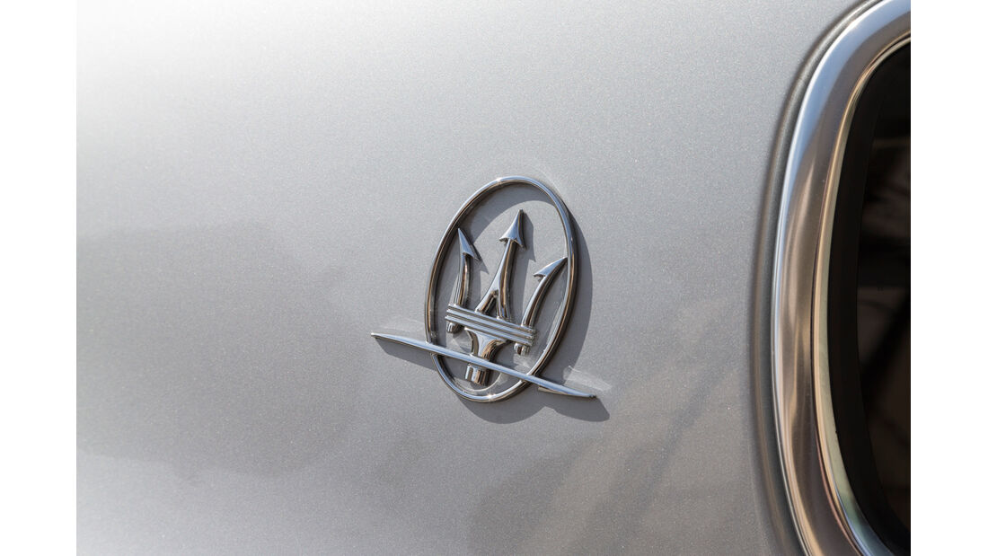 Maserati Quattroporte A Q4, Emblem, Dreizack