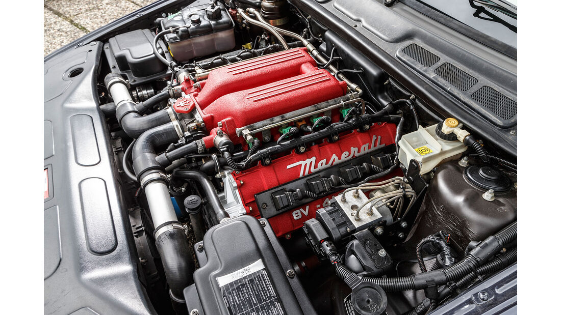 Maserati-Quattroporte-IV-Motor