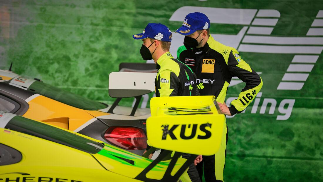 Matteo Cairoli und Michael Christensen - Manthey-Racing - Startnummer #911 - 24h-Rennen Nürburgring - Nürburgring-Nordschleife - 6. Juni 2021