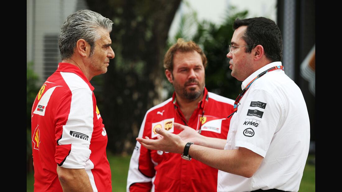 Maurizio Arrivabene & Eric Boullier - Formel 1 - GP Singapur - 17. September 2015