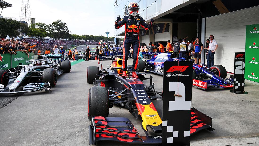 Verstappen obtiene una gran victoria en un loco Gp. de Brasil