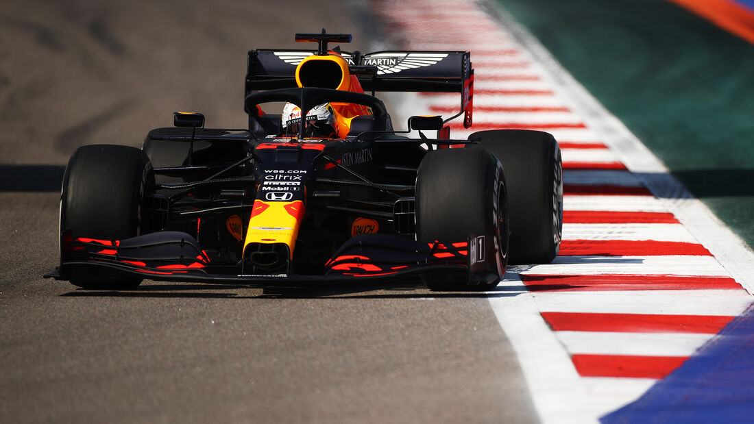 [Imagen: Max-Verstappen-Red-Bull-GP-Russland-Sots...726707.jpg]