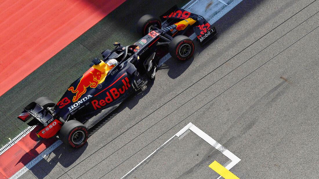 [Imagen: Max-Verstappen-Red-Bull-GP-Russland-Sots...726703.jpg]