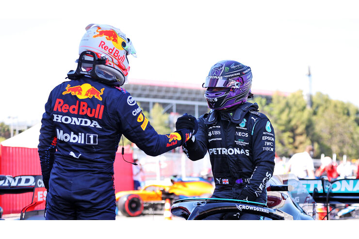 Red-Bull-im-Mercedes-Sandwich-Verstappen-allein-gegen-Mercedes
