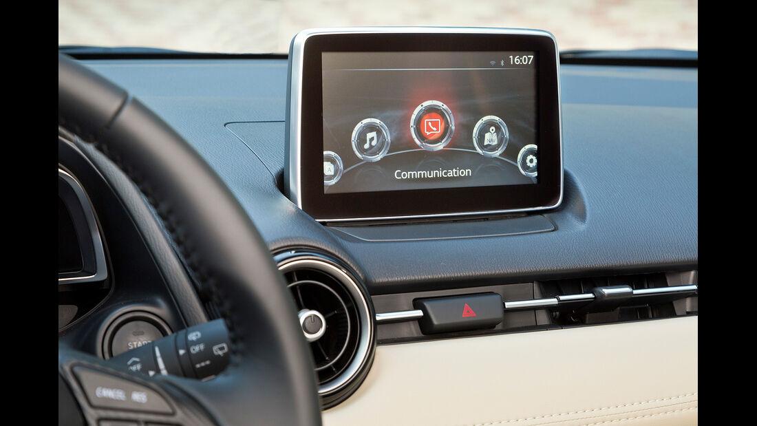 Mazda 2, Mittelkonsole, Display
