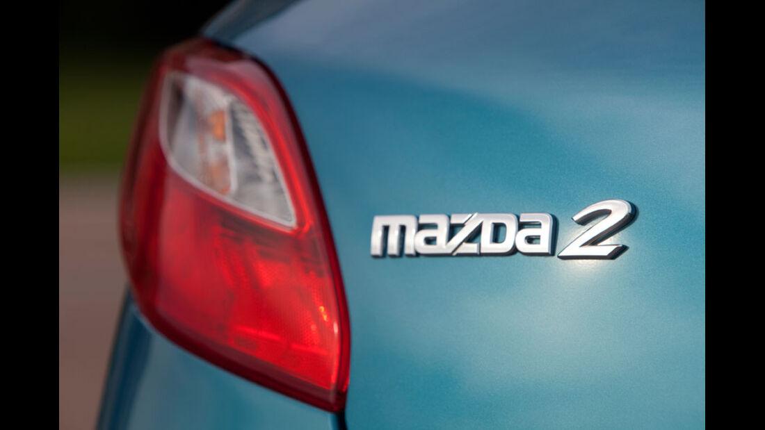 Mazda 2, Modellbezeichnung