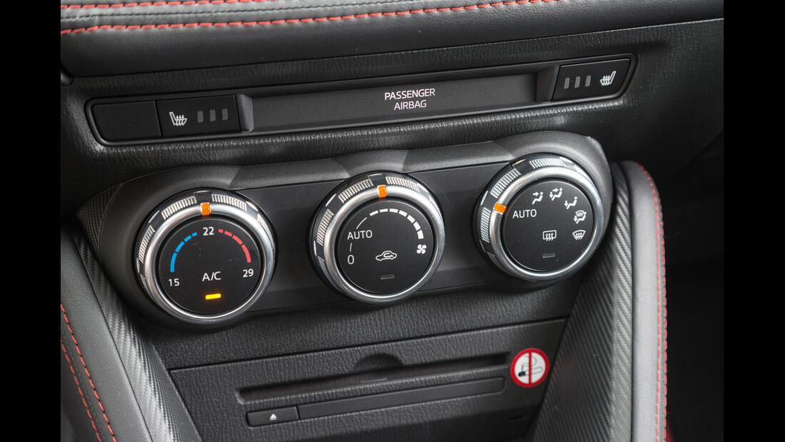 Mazda 2 Skyactiv-G 115 i-Eloop, Bedienelemente