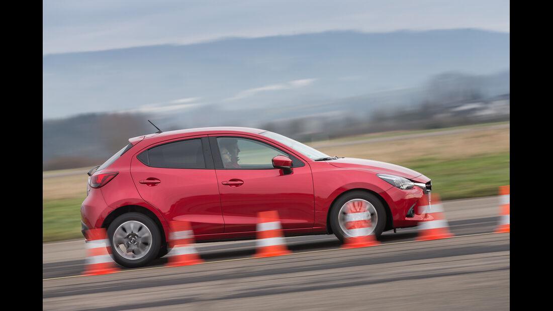 Mazda 2 Skyactiv-G 115 i-Eloop, Seitenansicht, Bremstest