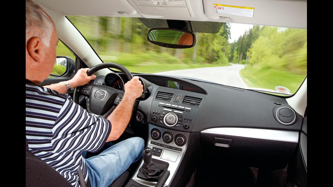 Mazda 3 2.0 MZR i-STOP,Cockpit, Fahrt, Display