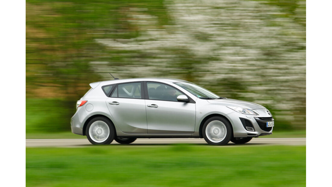 Mazda 3 2.0 MZR i-STOP, Seitenansicht, Überlandfahrt