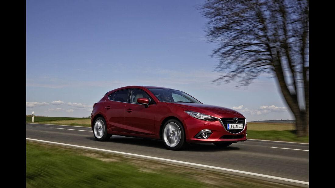 Mazda 3 Diesel Fahrt vorne Seite