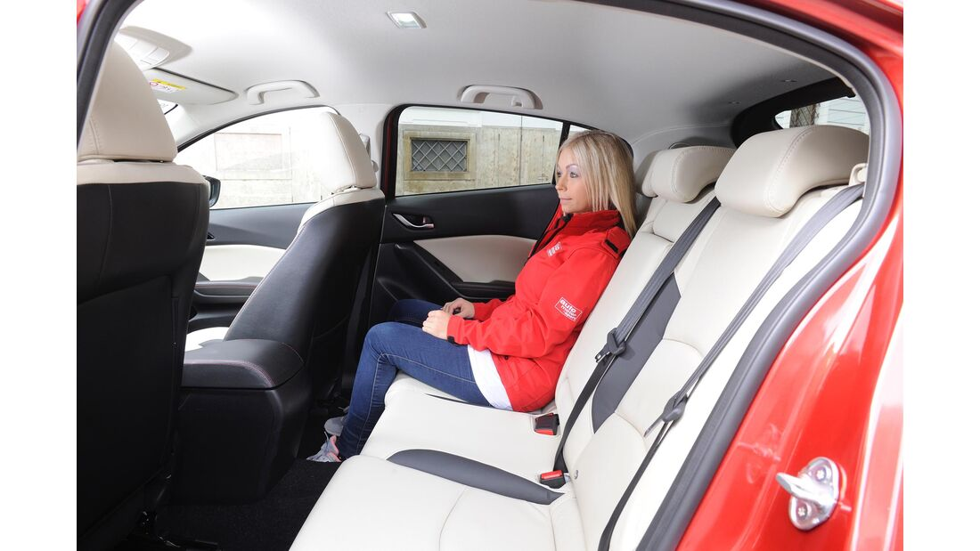 Mazda 3 Diesel Fond mit Passagier