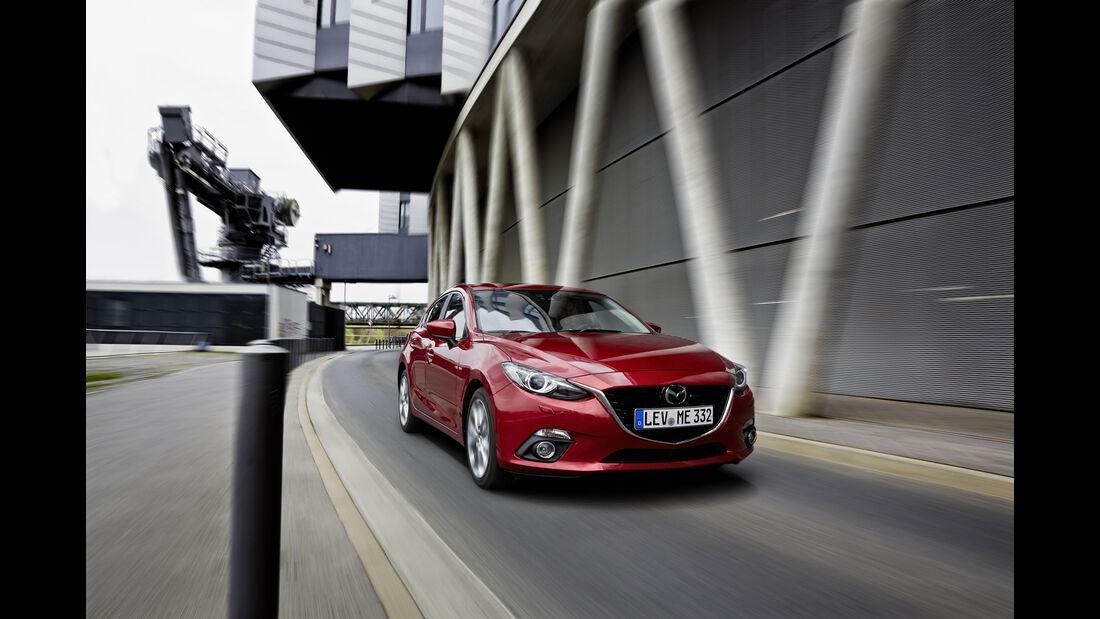 Mazda 3 Diesel frontal stehend