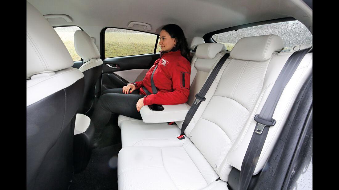 Mazda 3, Fondsitze
