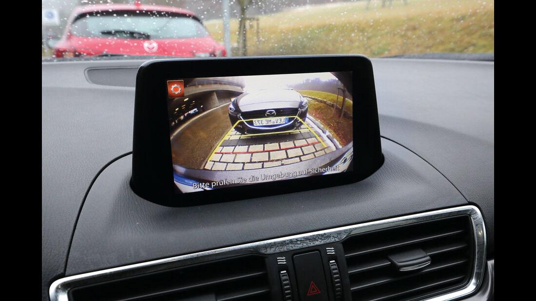 Mazda 3, Rückfahrkamera