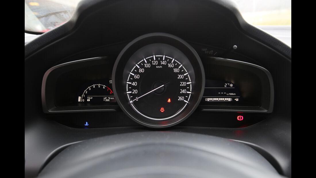 Mazda 3, Rundinstrumente