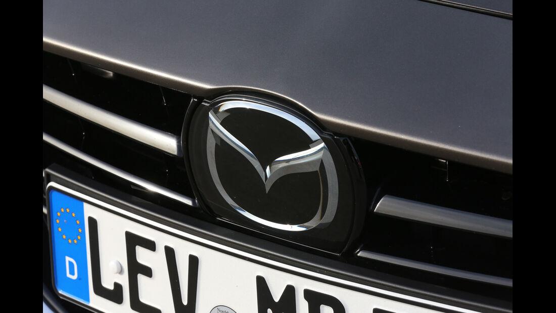 Mazda 3 SKYACTIV-G120, Emblem, Kühlergrill