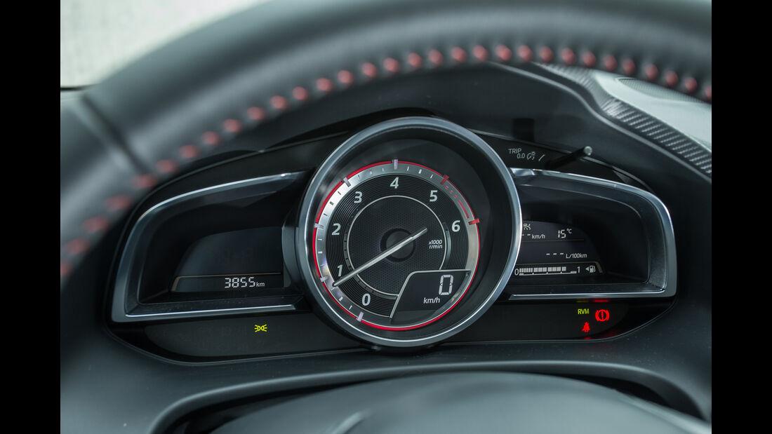 Mazda 3 Skyactiv-D 150, Rundinstrumente