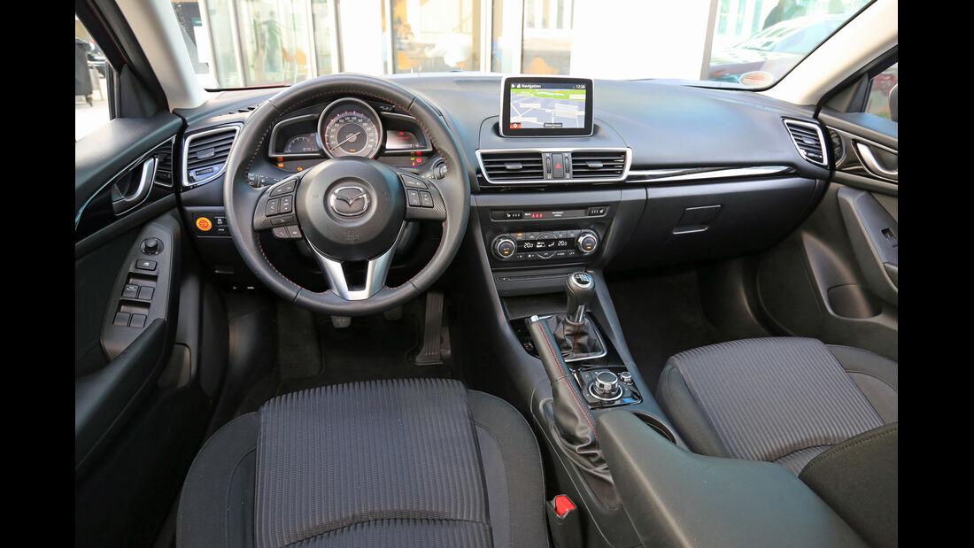 Mazda 3 Skyaktiv-D 150, Cockpit