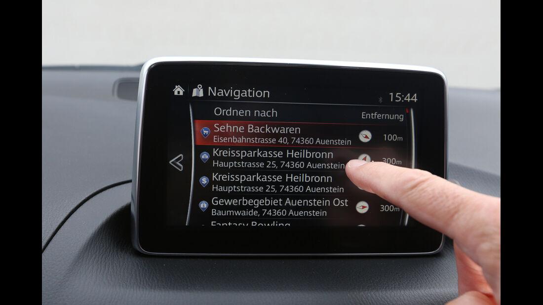 Mazda 3 Skyaktiv D 150, Infotainment, Monitor